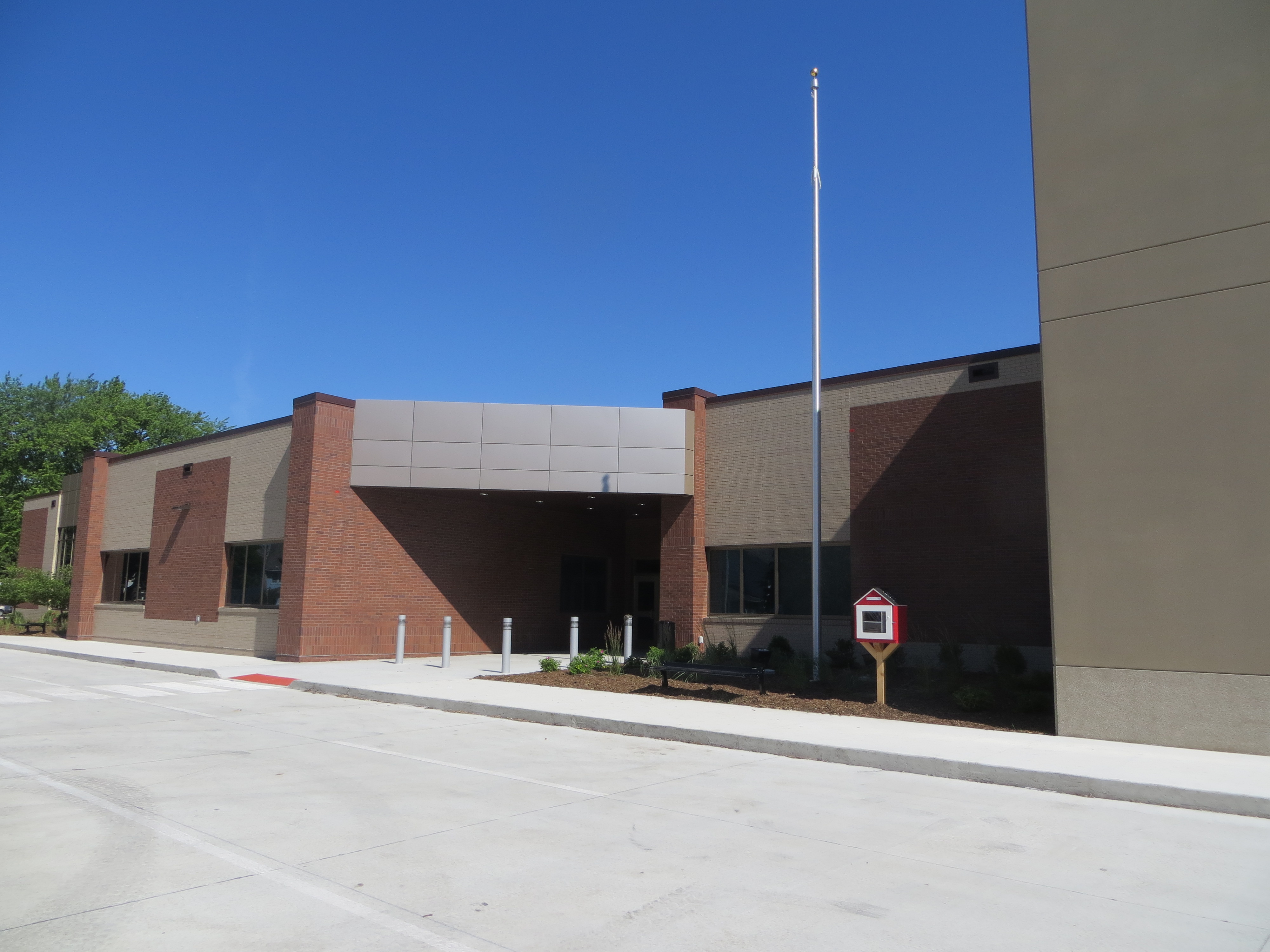 exterior of Duncombe Elementary